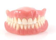 子供から大人まできれいな 歯並びをプレゼントします