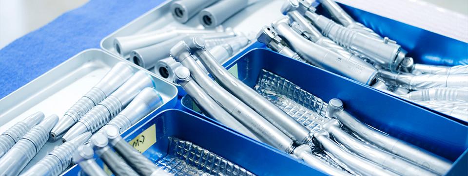 クリーンな環境と充実した医療機器をご用意しております。