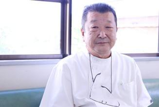 院長  樋口 哲也(Tetsuya Higuchi)