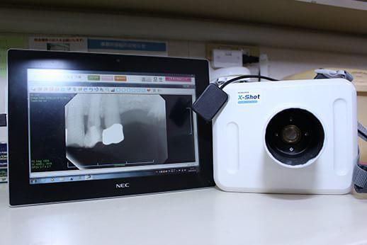 往診用レントゲン機器です。訪問診療においても様々な機器を用い臨みます。