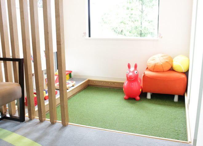 キッズルームを用意し、お子様が無理なく楽しく通院できる雰囲気作りに取り組んでいます