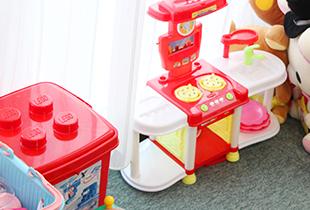 お子さまが不安なく治療を受けられるように キッズスペースを設置しております