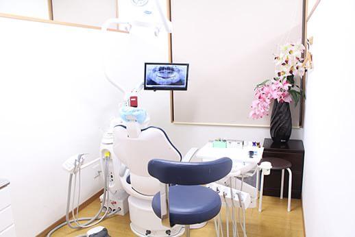 清潔感のある半個室診療ユニット