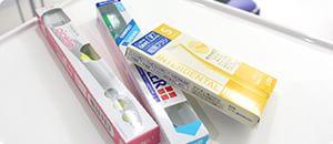 歯ブラシと歯間ブラシ