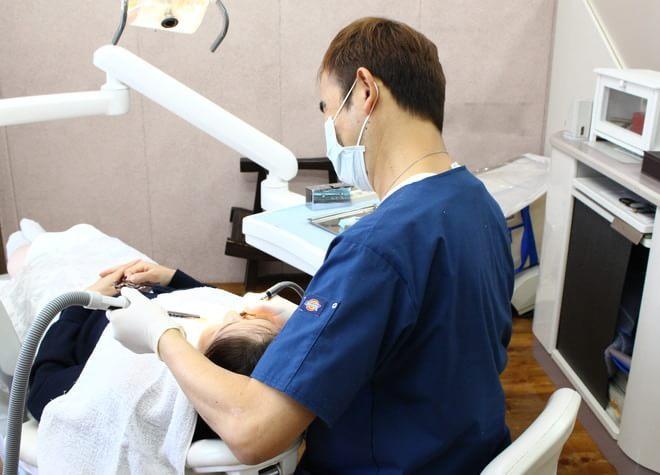 自然な仕上がりで、汚れが付きにくく、虫歯になりにくい素材を取りそろえています