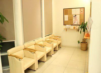 快適にお待ちになれる待合室です。