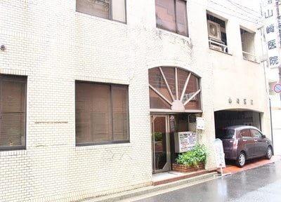 袋町駅から徒歩2分で駅近の建物も4階にあります。