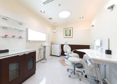 広い診療室は開放的です。