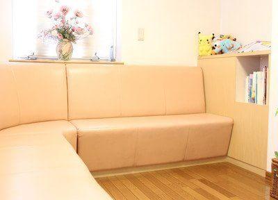 待合室です。治療の前後にはこちらでお待ち下さい。