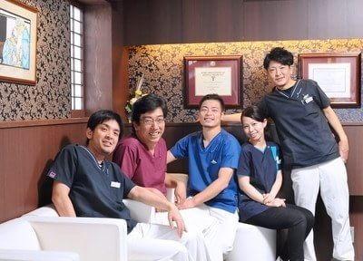 歯科医師です。心から笑顔で「治療を受けて良かった」と思っていただけるよう、最善の治療をご提供いたします。