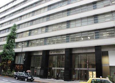 新東京ビルの外観です。新東京ビル歯科クリニックは3Fにございます。