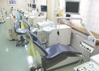 診療室内には4台のチェアがあります。