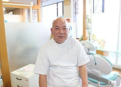 東近江歯科の院長先生です。