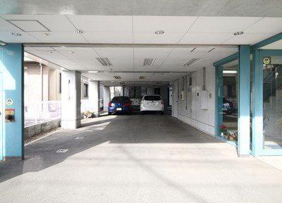 駐車場をご用意しておりますので、お車でもお越し可能です。