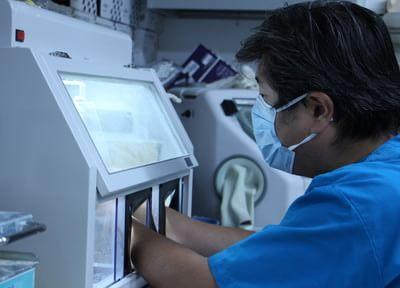 より良い技工物を作製するために、日々研鑽を重ねた技工士が在籍しております。