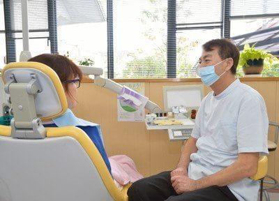 治療風景です。お口に関するお悩みがございましたら何でもご相談ください。