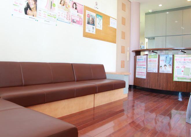 Q.入れ歯治療では訪問歯科診療も受け付けてくれますか?
