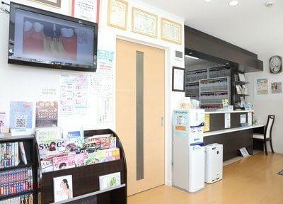 待合室には雑誌や漫画をご用意しておりますのでご自由にご覧ください。