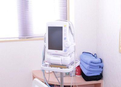 様々な機器を使い、治療を行います。