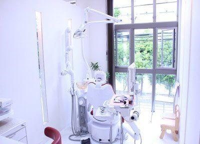 自然に囲まれた、開放感のある診療室です。