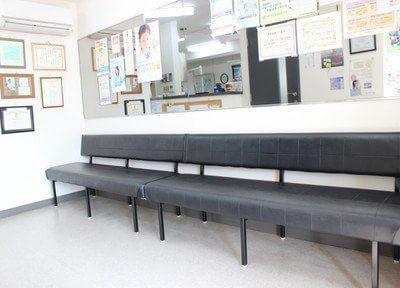待合室です。広々とゆったりとお待ち下さい。
